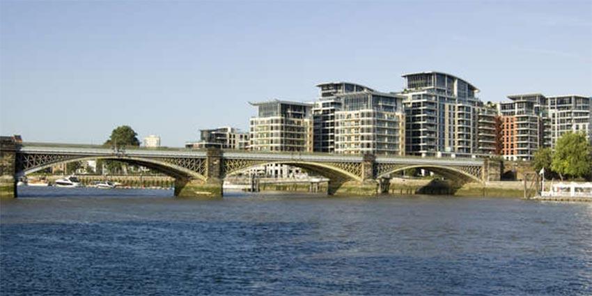 Gazumping and gazundering on London property