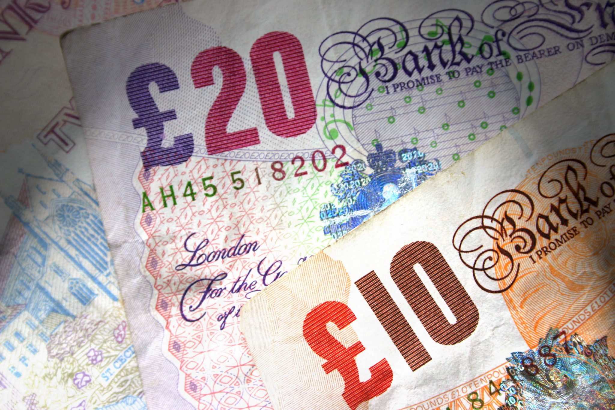 Landlords selling houses - 2016 Capital Gains Tax - image of banknotes
