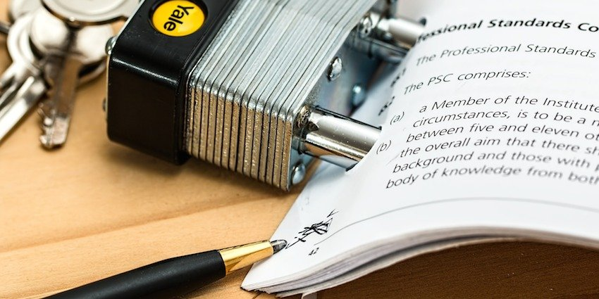 Our Guide to the Lease Extension Process - Molae Propertie - Image of a contract and padlock
